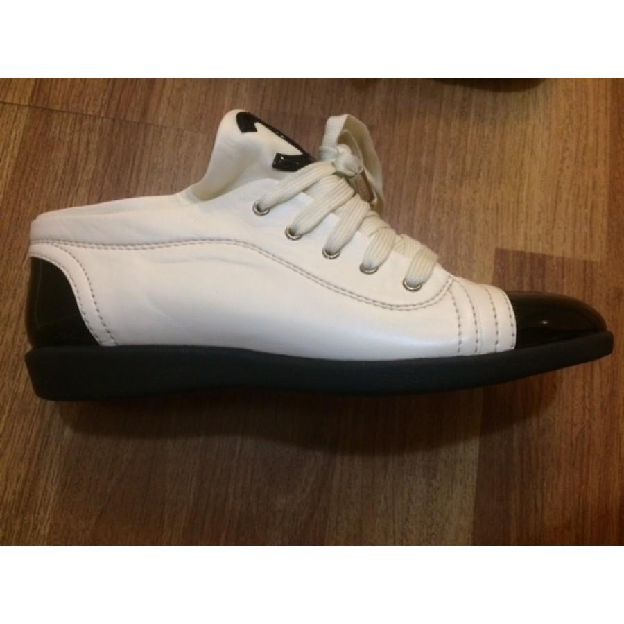 7473e90d10873 Chanel White Black Patent Leather Captoe CC Logo Sneakers SZ 36.5 6.5  LUST4LABELS 6-900x900