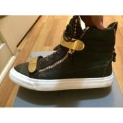 giuseppe zanotti green gold ringo croc embossed sneakers 3-900x900 (1)