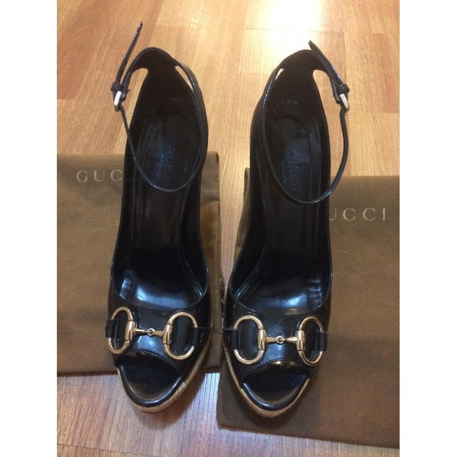 ff363a8ff33f0 $700 Gucci Black Patent Leather Horsebit Detail Straw Wedges SZ 36.5 ...