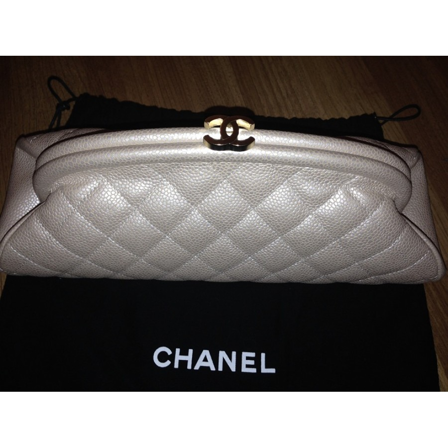 80fb45d216ee33 $2800 Chanel Classic Iridescent Pearl Beige Nude Quilted Caviar ...