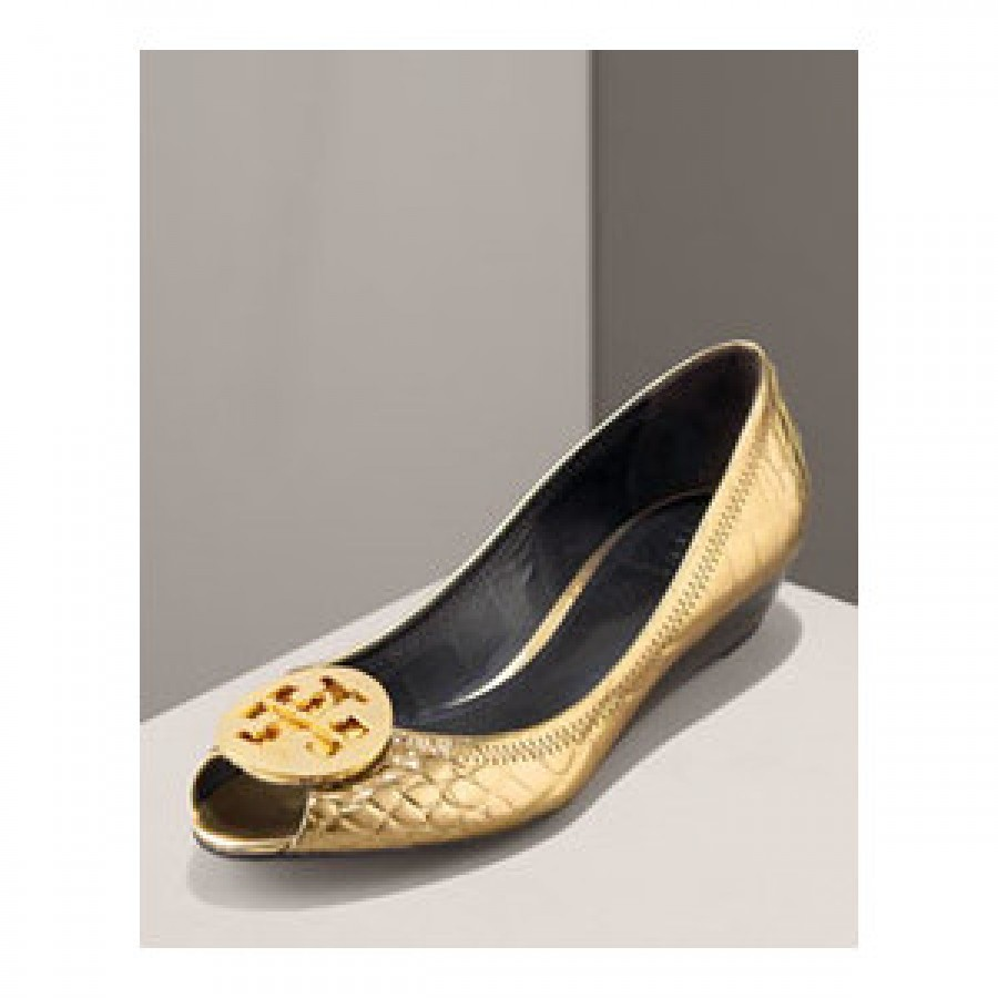 5e907703991c Tory Burch Mirrored Croc Embossed Gold Flat Peep Wedges Lust4labels-900x900