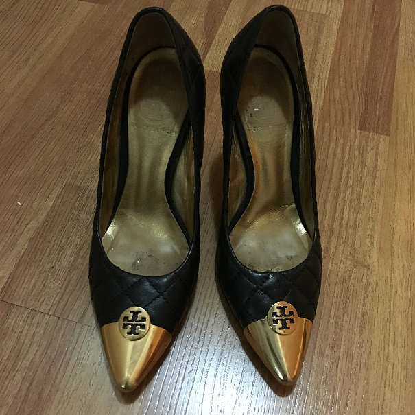 83aa6964c  250 Tory Burch Pointy Gold Cap Toe Black Quilted Leather Pumps SZ ...