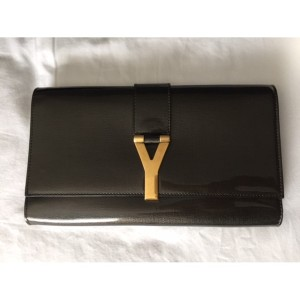 YSL Yves Saint Laurent Y Chyc Grey Patent Leather Clutch Lust4Labels 2-900x900