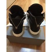 giuseppe zanotti black silver chain croc embossed sneakers 1-900x900