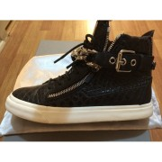 giuseppe zanotti black silver chain croc embossed sneakers 2-900x900