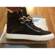 giuseppe zanotti black silver chain croc embossed sneakers 3-900x900