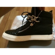 giuseppe zanotti black silver chain croc embossed sneakers 6-900x900