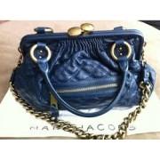 marc jacobs blue stam-900x900