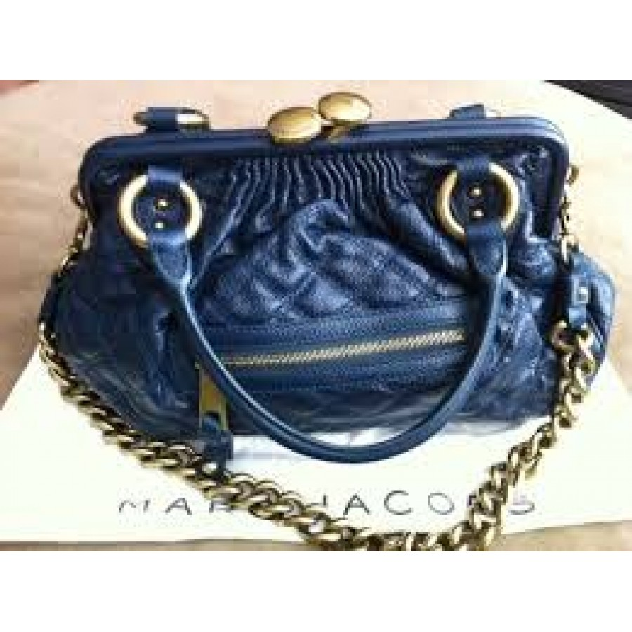 e051ecdf52ab Marc Jacobs Classic Navy Blue Stam Gold Chain Bag Purse Lust4Labels 11-900x900  · marc jacobs blue stam-900x900