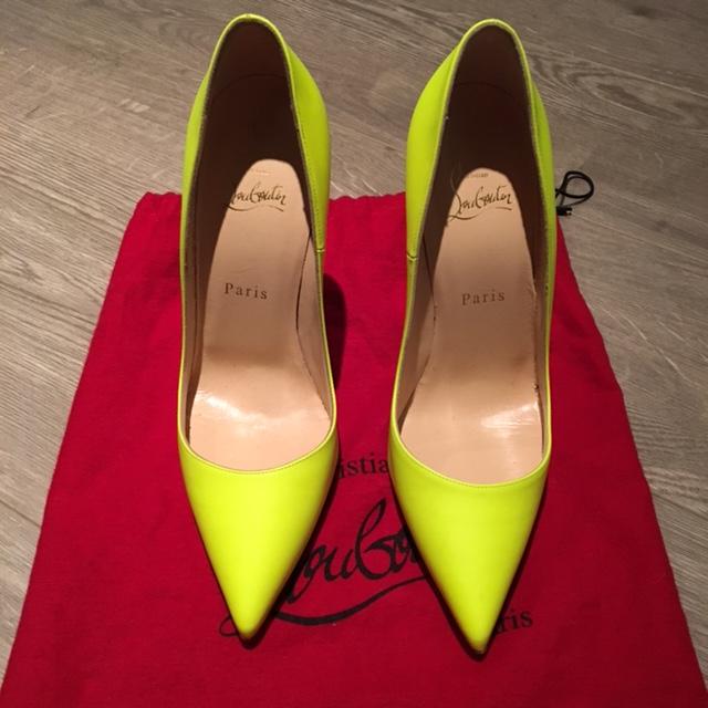 official photos 12465 75984 $800 Christian Louboutin Yellow White Neon Leather So Kate ...