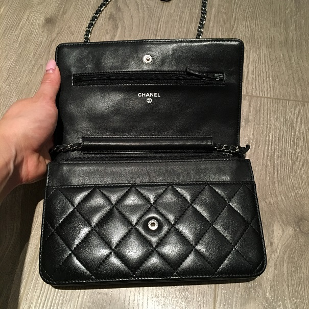 2500 Chanel Classic CC Logo Black Lambskin Quilted Leather WOC ... 349995397c091
