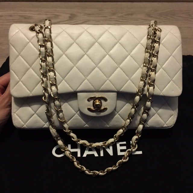 542aba700656 $4000 Chanel Classic White Quilted Lambskin Small Vintage Shoulder ...
