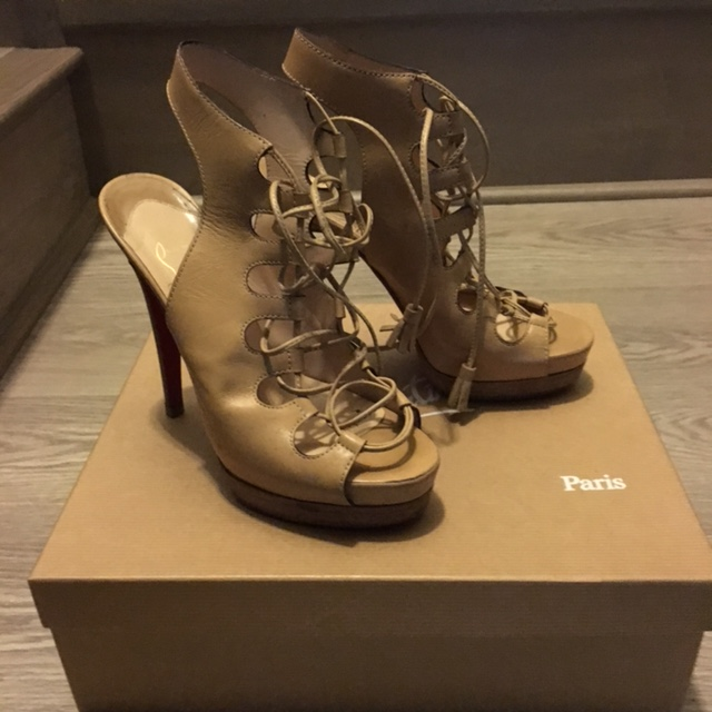 0d04aa82b2c $900 Christian Louboutin Beige Leather Lace Up Gladiator Miss ...