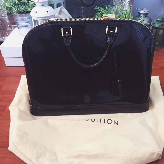 b4bbef99966 Louis Vuitton Monogram Vernis Amarante Alma GM Large Tote Purse Lust4Labels  12 lightbox · lightbox · lightbox · lightbox