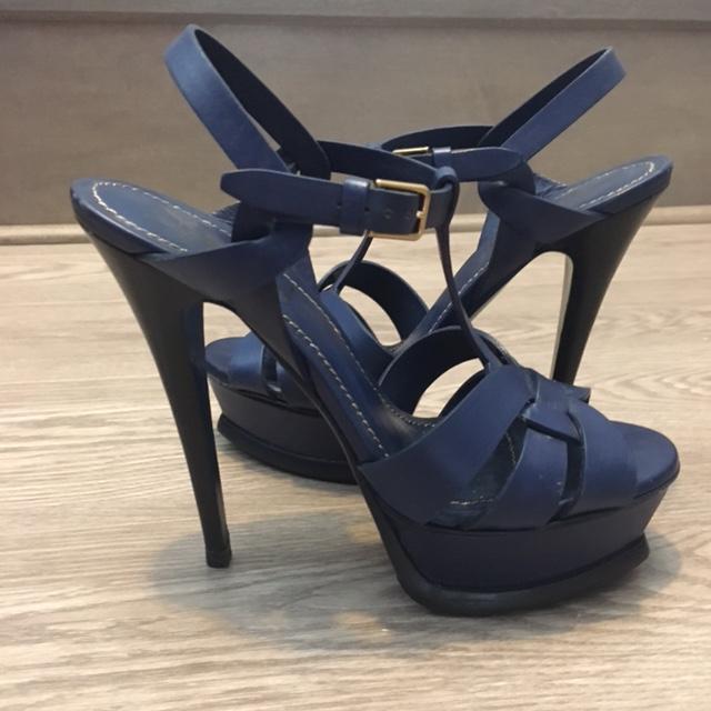 e069d5cc $1000 Yves Saint Laurent Classic Blue Leather Tribute Sandals SZ ...
