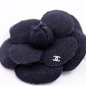 camellia-brooch-chanel-black-leather