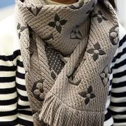 lv scarf 1