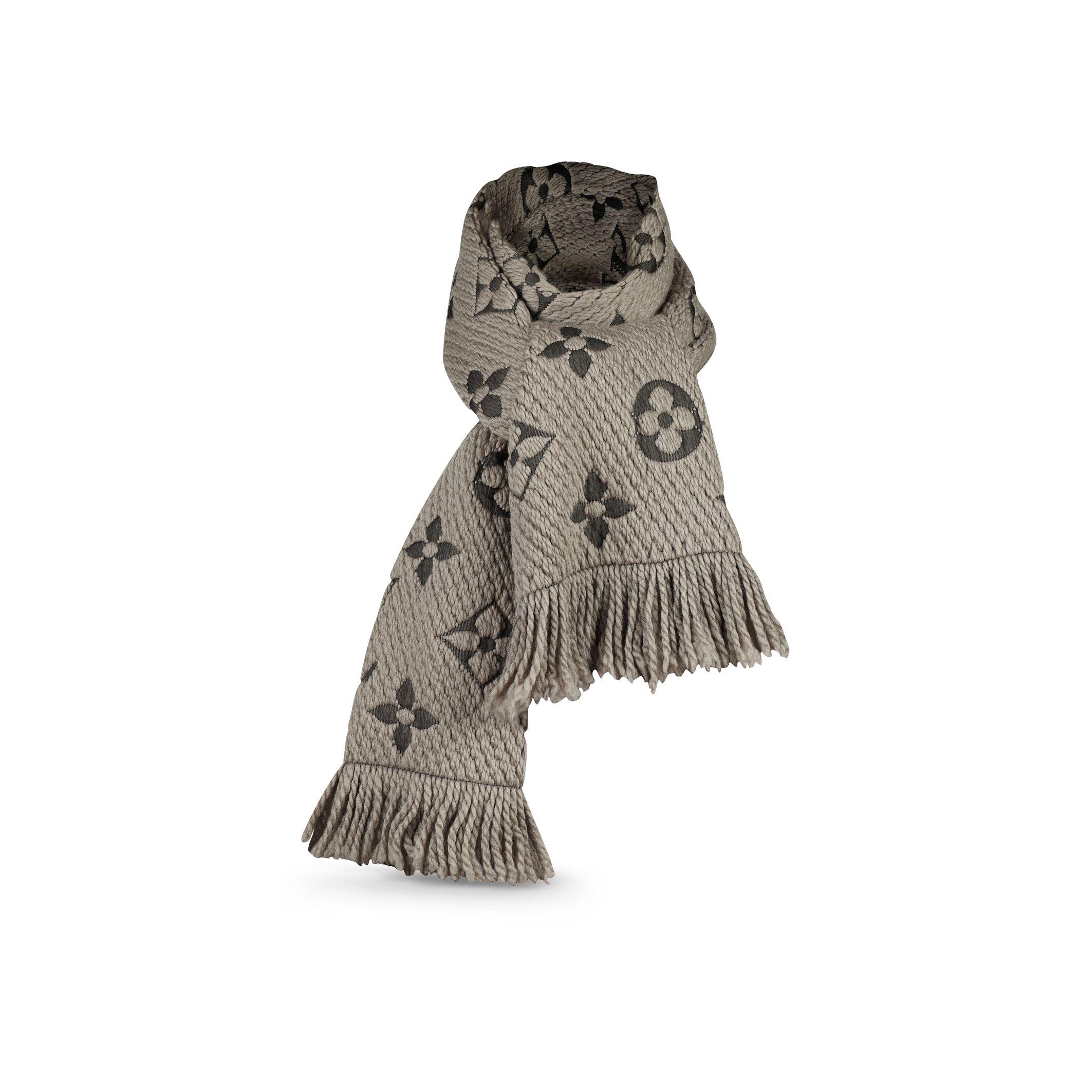 $600 Louis Vuitton Monogram Canvas Verone Wool Silk ...