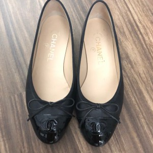 Chanel Classic Black Leather Patent Captoe Ballet Flats SZ 35.5 Lust4Labels 1