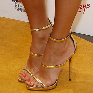 Pixie-Lott-Giuseppe-Zanotti-Gold-Coline-Sandals