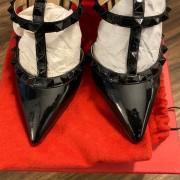Valentino Noir So Black Patent Leather Rockstud Strap Pumps SZ 35.5 Lust4Labels 4