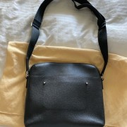 Louis Vuitton Mens Black Taiga Leather Grigori MM Messenger Bag Lust4Labels 1