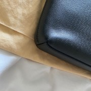 Louis Vuitton Mens Black Taiga Leather Grigori MM Messenger Bag Lust4Labels 9
